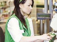 UN SALARIUPEZI ÎNROMÅNIA. Cât câştigă un casier într-unul dintre marile lanţuri de retail alimentar