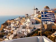 Patru din cinci greci îşi acoperă cu greu cheltuielile