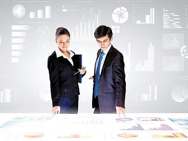 Un salariu pe zi în România. Cât câştigă un head of marketing
