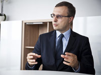 Reformă: Polonia vrea să facă economii de 4,8 mld. € pe an cu un program de pensii facultative
