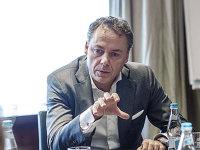 Salarii mari, scandaluri noi. ING renunţă la majorarea cu 50% a salariului CEO-ului, Volkswagen îşi reformează schema de plăţi