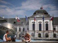Slovacia caută muncitori: guvernul accelerează angajările forţei de muncă din străinătate