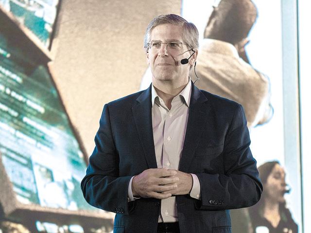 Bob Moritz, preşedintele PwC global: Societatea şi-a pierdut încrederea în mediul de business, iar asta este una dintre marile provocări ale liderilor