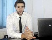 Un român de 26 de ani a dezvoltat un un joc cu 1 milion de descărcări pe Android şi App Store