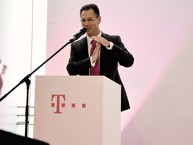 Nikolai Beckers, CEO al Telekom România, afirmă că grupul german pariază pe sinergia între servicii de telefonie mobilă şi fixă, la care se adaugă o nouă platformă de TV online. Foto: Adrian Seceleanu