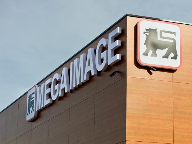 Mega Image �nfige steagul �n centrul Capitalei, �ntr-unul dintre magazinele simbol