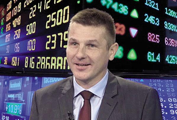 """ZF Live. Şerban Roman vorbeşte despre cea mai mare tranzacţie din acest an, vânzarea Profi. De la 77 la 533 mil. euro în 7 ani. """"Am dovedit că se pot face bani în România. Cred că există potenţial ca noul investitor, Mid Europa, să găsească un alt cumpărător care să dea un miliard de euro pe reţeaua Profi."""""""