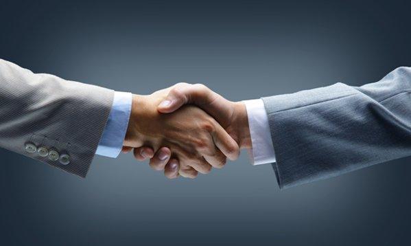An record pe piaţa de M&A: 70 de acorduri, 3 mld. ruro. Cinci tranzacţii au o valoare de peste 100 de milioane de euro. Cea mai mare mutare din 2016 a depăşit pragul de jumătate de miliard de euro