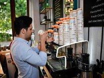 Cinci nume internaţionale se uită la piaţa locală a cafelei