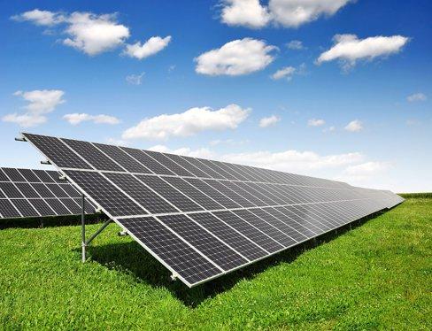Producătorii de energie solară, sub ameninţarea insolvenţelor
