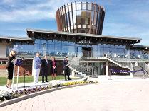 Pasiunea de 10 ani a antreprenorului Ioan Popa de la Transavia s-a transformat în cel mai mare resort de golf din ţară, deschis lângă Alba Iulia cu investiţii de 15 milioane de euro