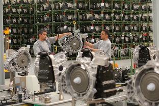 Este OFICIAL! Mercedes a DAT LOVITURA în România! Este cea mai mare LOVITURĂ dată de o companie în România
