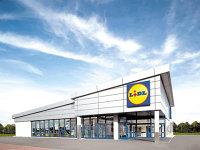 Preferă să aducă orice din import: discounterul german Lidl a ajuns cel mai mare importator din comerţ anul trecut. Germanii importă anual de 1 mld. euro, potrivit estimărilor ZF, la vânzări locale de 1,3 mld. euro