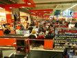 România, o piaţă de retail fragmentată: primii cinci retaileri au mai puţin de un sfert din piaţa de 30 mld. euro