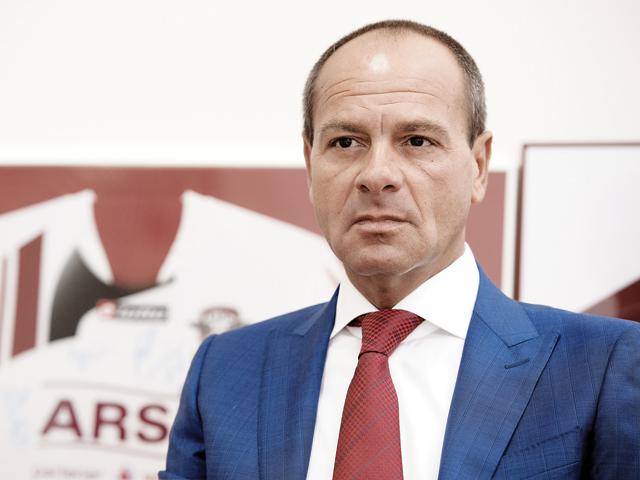 Arsis, cel mai mare retailer de telefoane mobile controlat de un român, a făcut un profit de 2 mil. euro în 2017