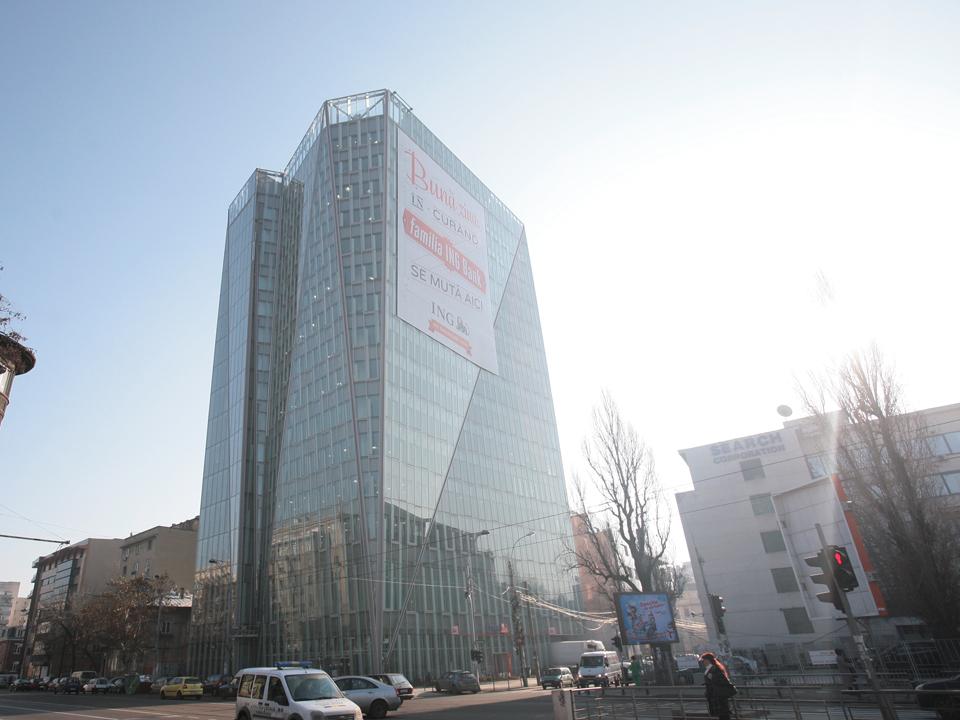 Miliardarul ceh Petr Kellner vrea să cumpere de la Michael Stanciu clădirea de birouri Crystal Tower de lângă Piaţa Victoriei