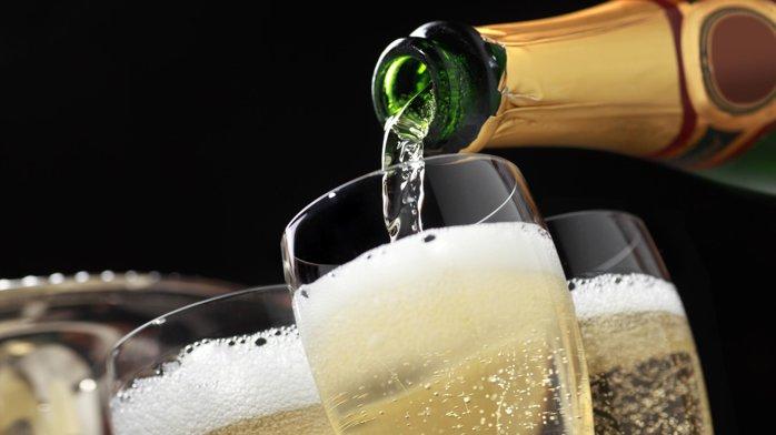 Bancherii deschid deja şampaniile. După nouă luni din 2018, băncile raportează un profit net record de 5,7 miliarde