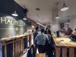 Doi tineri au investit 100.000 de euro într-o cafenea în Constanţa