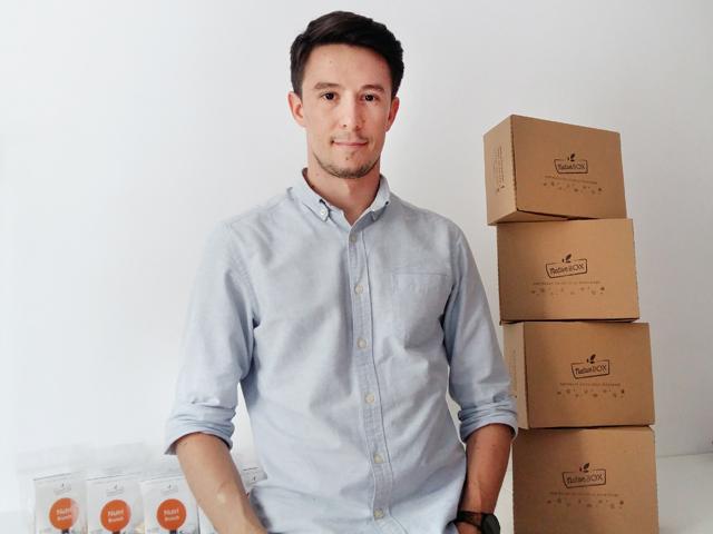 Un start-up pe zi. Un tânăr din Capitală face 20.000 de euro din livrarea mixurilor de fructe pentru angajaţii din corporaţii