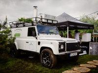 Un start-up pe zi. Doi antreprenori au transformat cu 45.000 de euro un Land Rover Defender într-o pizzerie şi speră la profit în doi ani