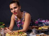 Două surori din Bucureşti mizează pe afaceri de 100.000 euro din mâncare raw vegană