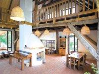 Un start-up pe zi: Doi corporatişti au pariat pe o casă la Viscri unde primesc anual 1.000-2.000 de turişti