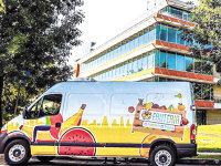 Doi antreprenori din Bucureşti aşteaptă afaceri de 800.000 de euro din livrarea fructelor la birou