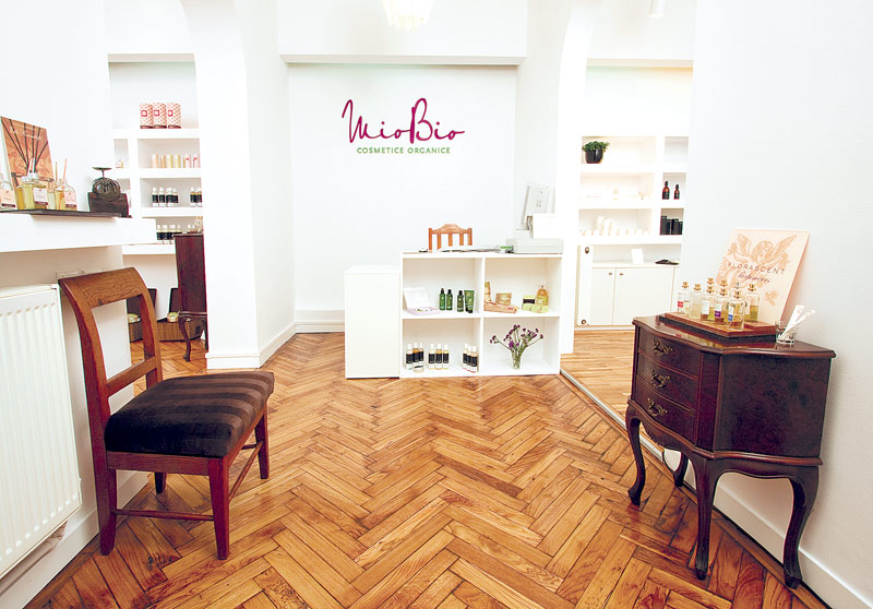 Un start-up pe zi: Brandul de cosmetice naturale MioBio, prezent de trei ani şi în reţeaua Mega Image, mizează pe vânzarea online