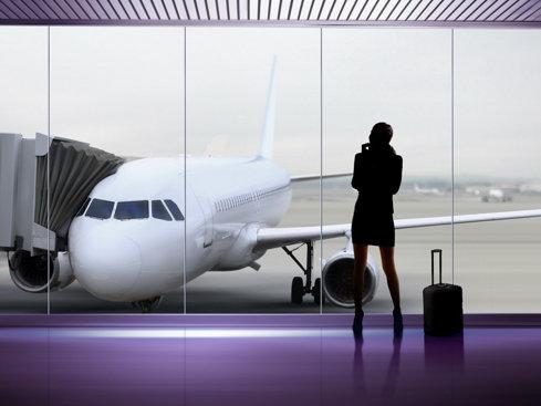 La ce se uită oamenii când îşi cumpără bilete de avion? (Pont: Nu sunt serviciile)
