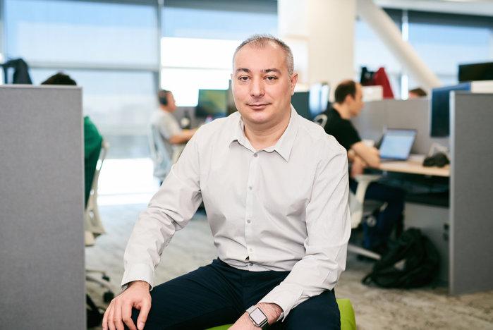 Adobe vrea să recruteze 100 de specialişti în zona tehnică şi de inginerie software. Compania a depăşit pragul de 600 de angajaţi pe plan local