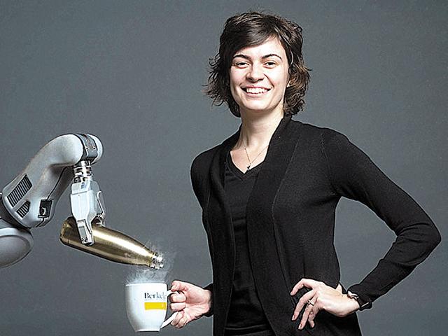 Viitorul roboticii prin ochii unui cercetător român: Roboţii vor fi în centrul noii revoluţii industriale şi vor genera multe dintre resursele de care avem nevoie