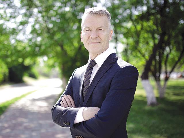 ZF la 20 de ani. Exerciţiu de imaginaţie pentru cei care conduc marile businessuri: România peste 20 de ani. Ce spune Ian Pearson, preşedintele Ford România