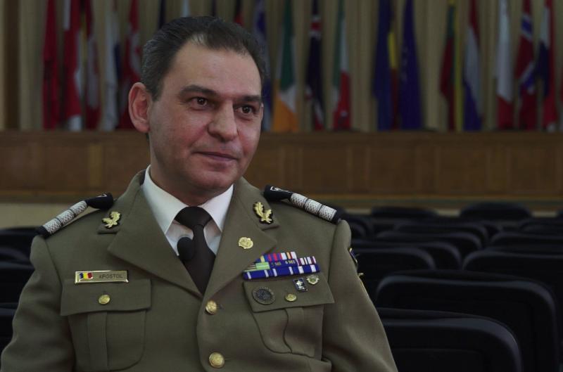 OAMENI TARI. Marius Apostol, militarul a cărui viaţă s-a schimbat în Afganistan, cu câteva ore înainte de asasinarea lui Osama Bin Laden. VIDEO