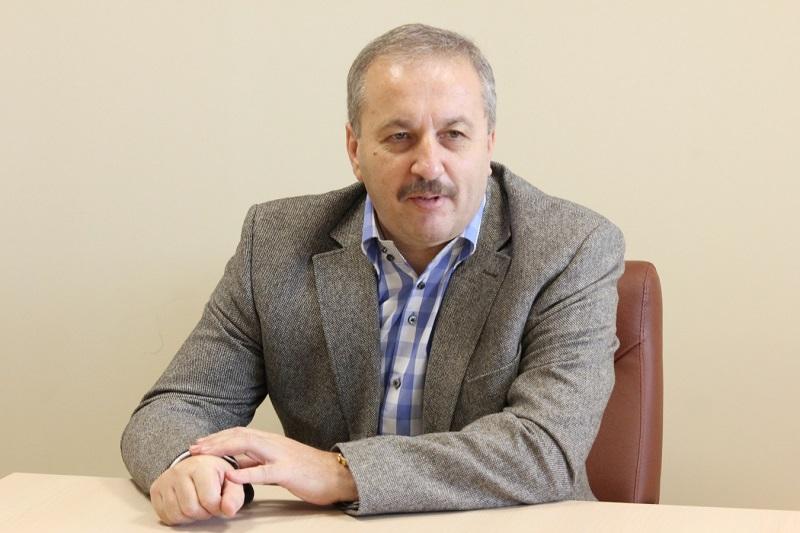 """Vasile D�ncu, seful IRES, explica un fenomen aparent """"ciudat"""": 10 la suta dintre cei care au votat duminica trecuta cu Ponta spun dupa 7 zile ca au votat cu Iohannis. Cu ce procent ar c�stiga azi ''neamtul'' alegerile"""