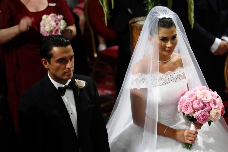 Nuntă Elena Băsescu Imagini în Premieră De La Nunta Fiicei Lui