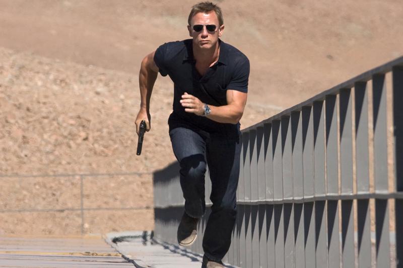 Daniel Craig, complice la un furt.