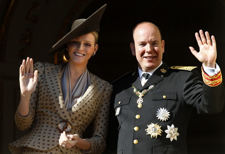 Prinţul Albert de Monaco a cumpărat un brad de Crăciun creat de un român