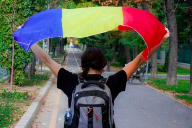 Aproximativ 27.000 de români au semnat pentru unirea României cu Republica Moldova