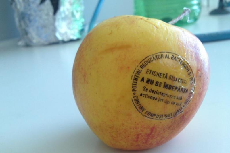 Un cercetător din Cluj a inventat ambalajul antimicrobian pentru fructe şi legume