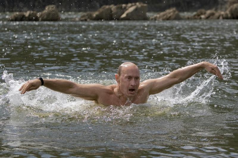 """Preşedintele rus Vladimir Putin, provocat de Vin Diesel să accepte """"provocarea găleţii cu(...)"""
