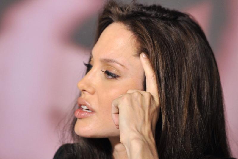 """Cum arata """"Angelina Jolie"""" din Iasi. FOTO"""