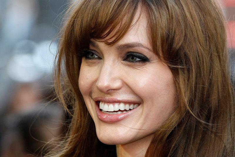 Angelina Jolie sufera de o boala obisnuita pentru copii, dar riscanta pentru adulti