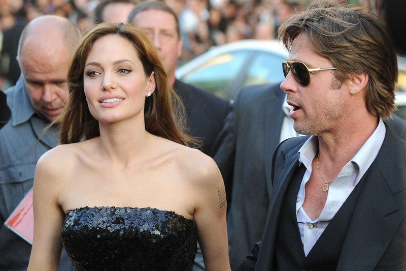 Angelina Jolie dezvaluie ca era deja casatorita la momentul nuntii din Franta cu Brad Pitt