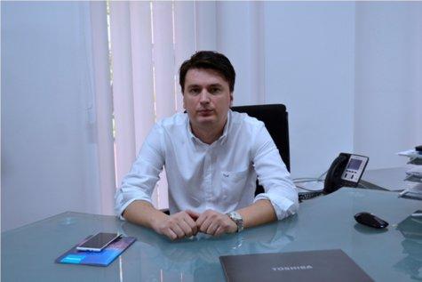 Şi-a început afacerea când era adolescent într-un apartament din Bucureşti şi acum vinde de 14 milioane de euro