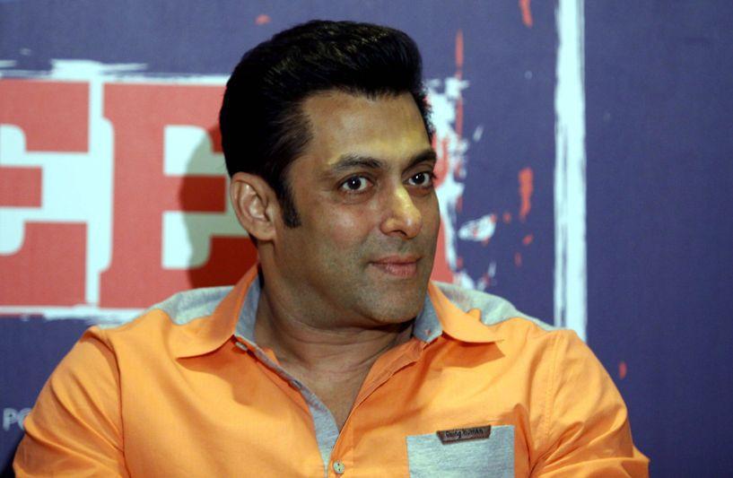 Actorul indian Salman Khan a fost condamnat la cinci ani de închisoare