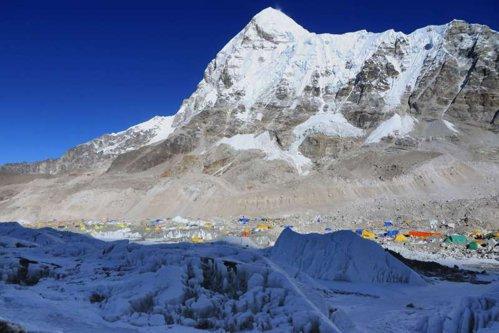 Everest nu mai este cel mai înalt munte din lume