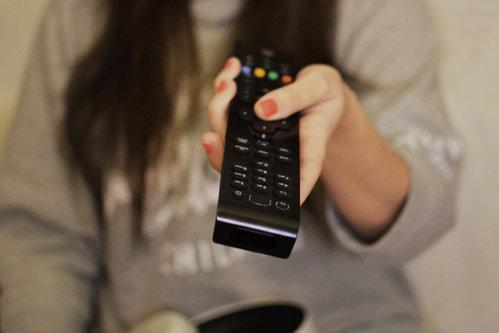 O televiziune din România, amendă uriaşă din cauza imaginilor vulgare