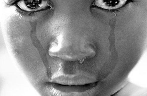 Ritualul care îngrozeşte planeta: ''hienele'' din Malawi care iniţiază sexual fetiţele
