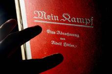"""Câte exemplare din celebra """"Mein Kampf"""" s-au vândut de anul trecut, de când cartea a fost liberalizată"""