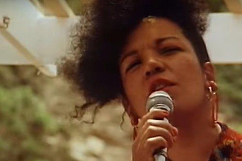 Interpreta hit-ului Lambada, găsită moartă în maşină. Sfârşitul cumplit pe care l-a avut solista trupei Kaoma